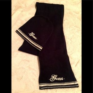 GUESS Scarf & Tuque